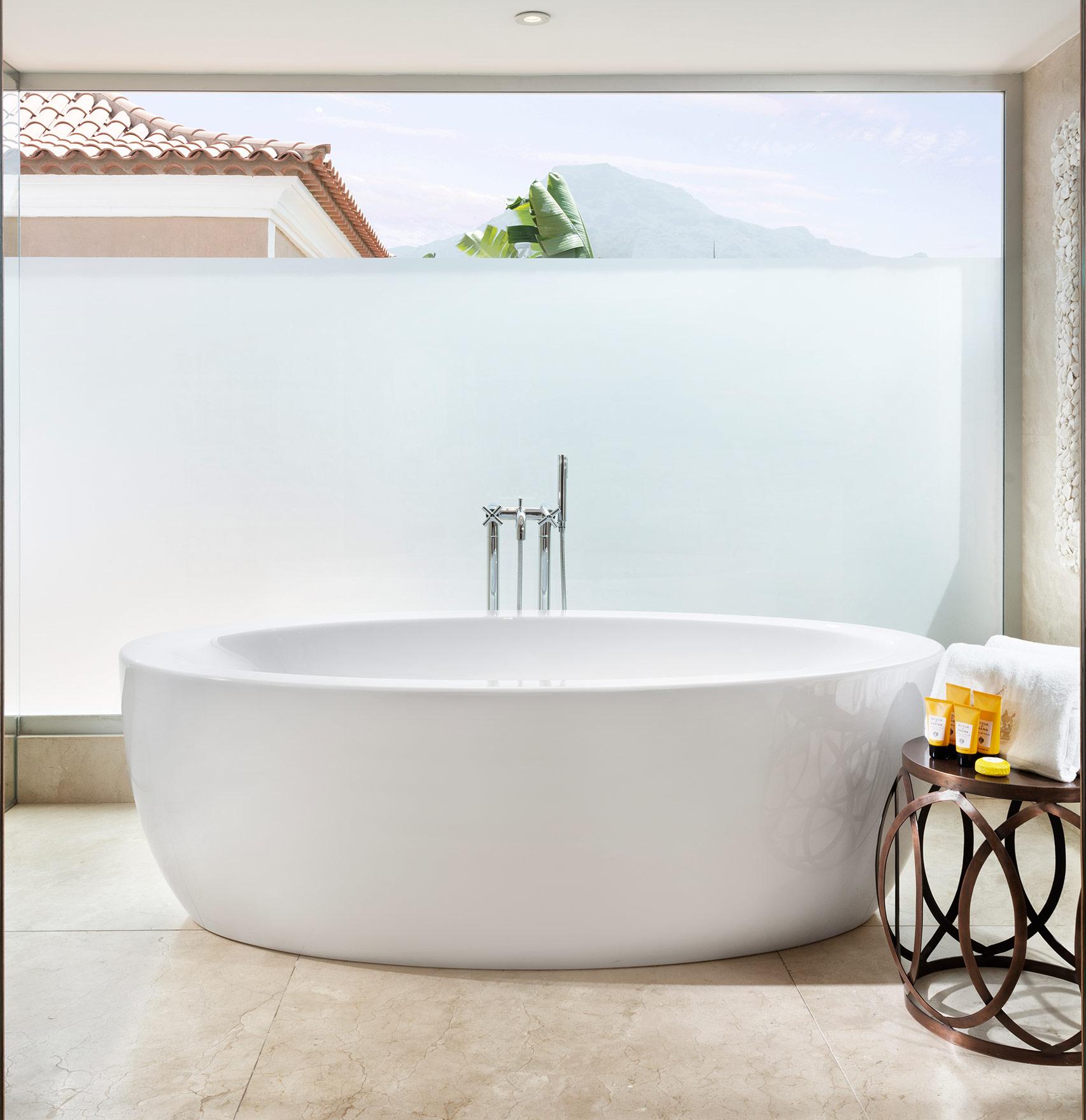 Imelda Suite Bath