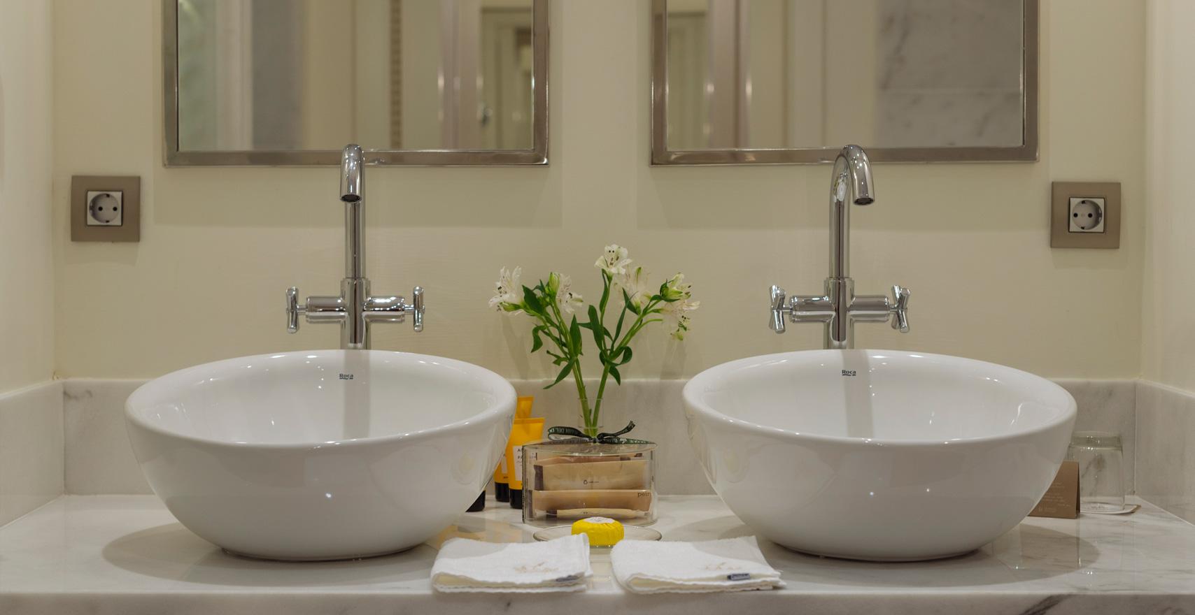 Doubleroom Casas Ducales bathroom