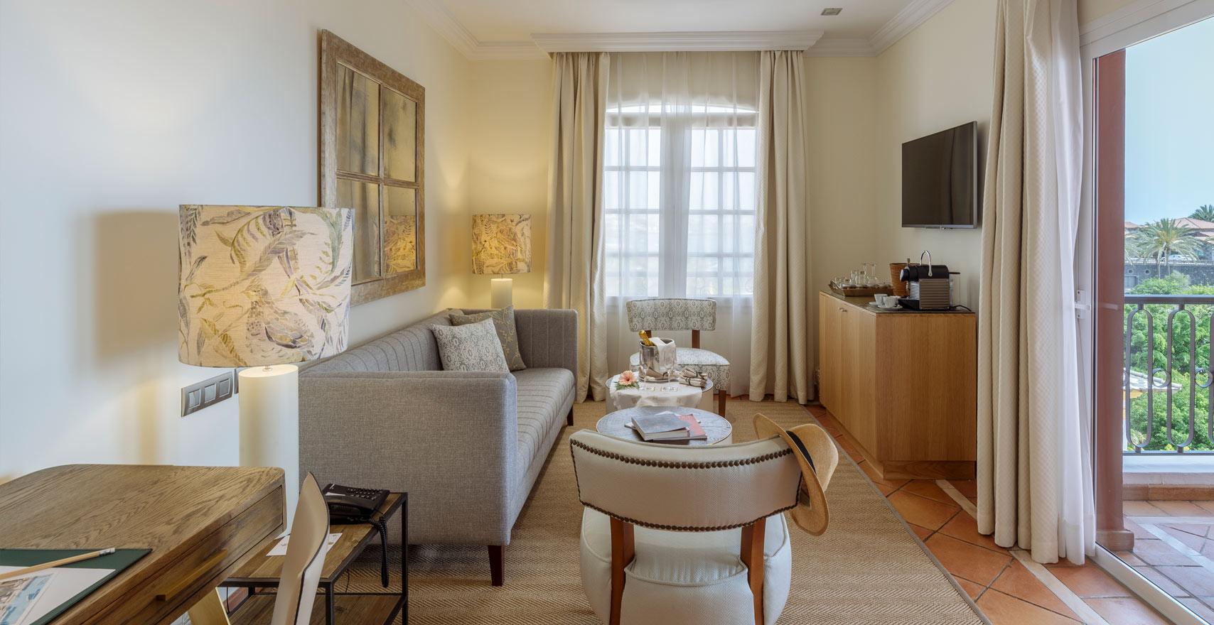 Suite Casas Ducales living room2