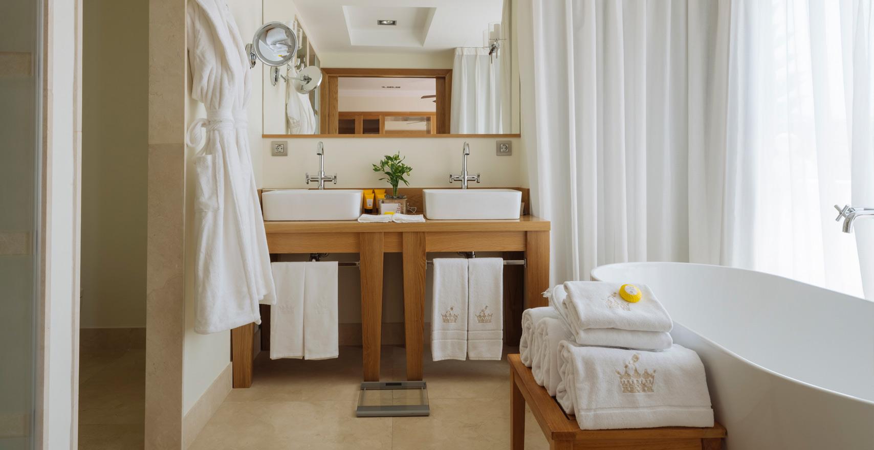 Royal Suite Casas Ducales bathroom