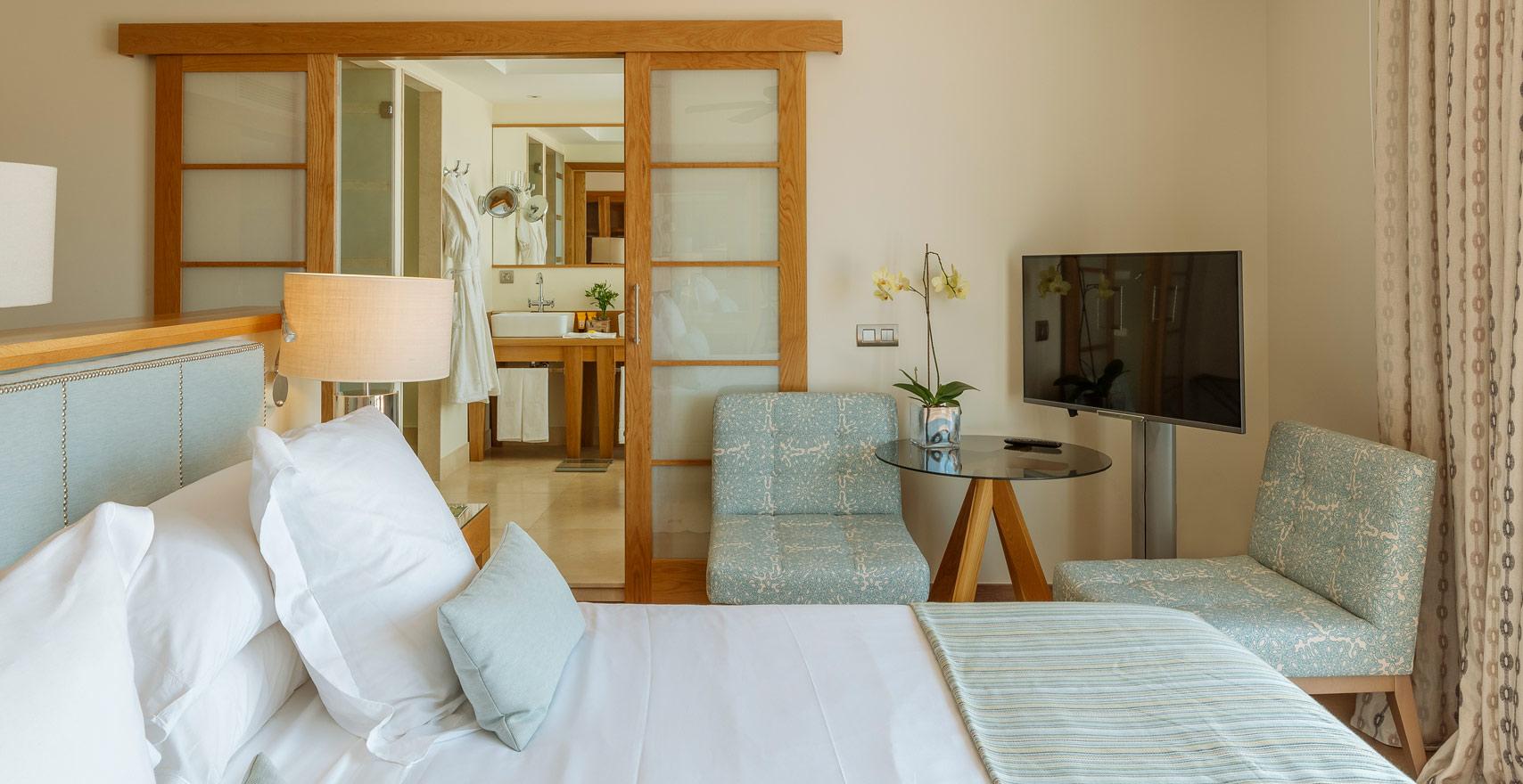 Royal Suite Casas Ducales room2