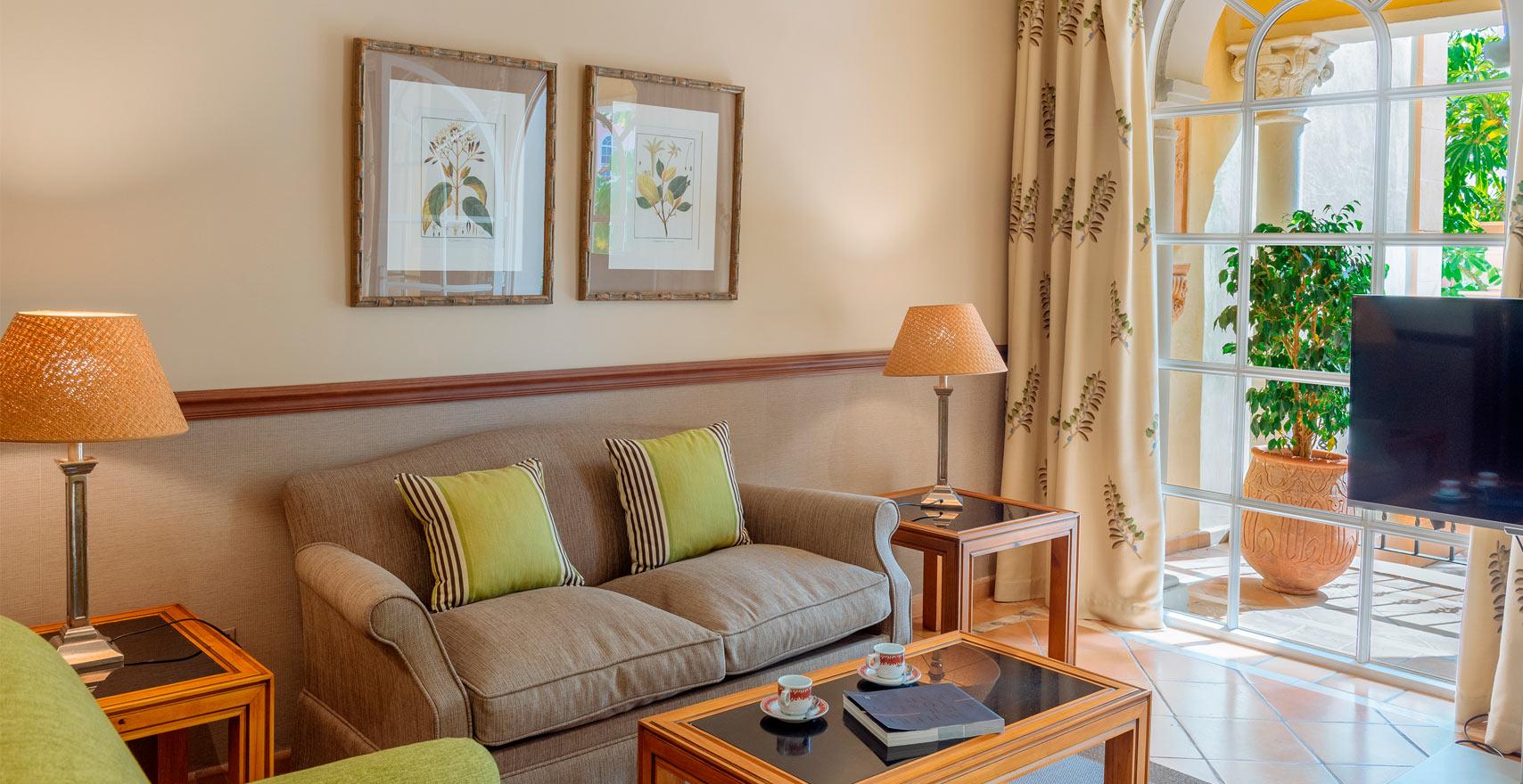 Junior-Suite-Bahia-living-room