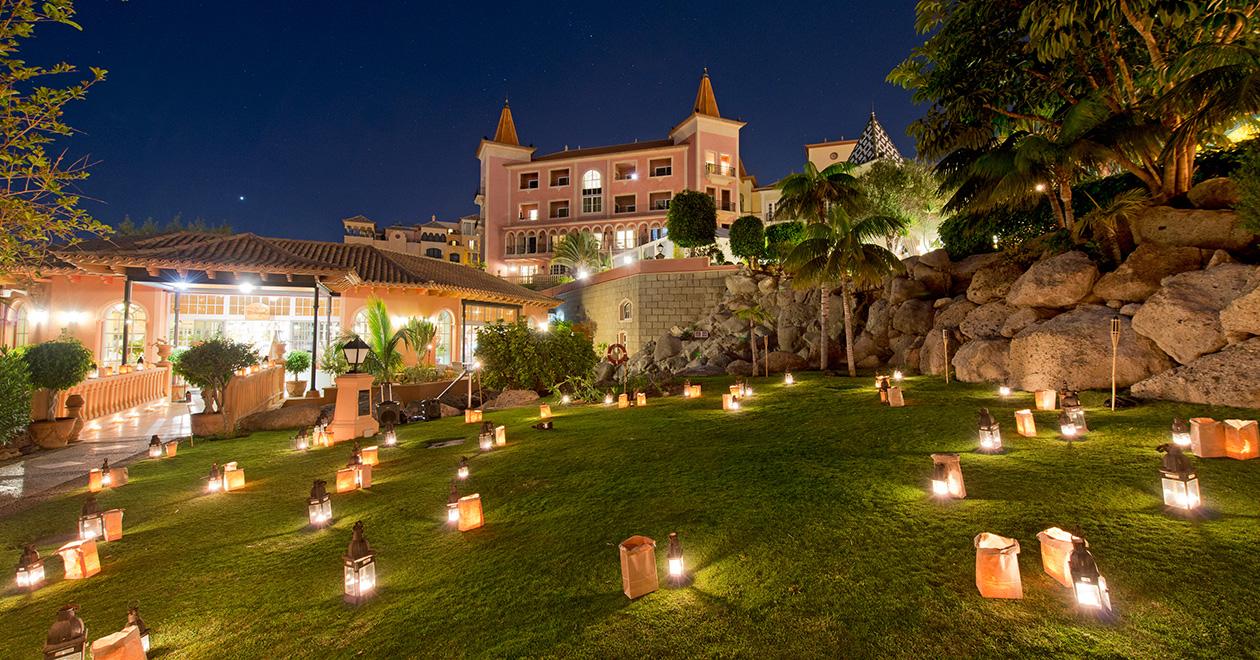 La Hora del Planeta - Hotel Bahía del Duque